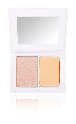 Compact cream-to-powder foundation