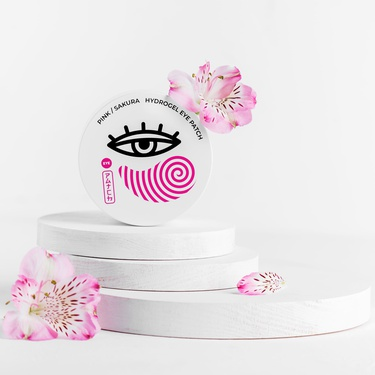 Hydrogel patches with sakura extract