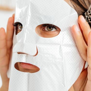 Очищающая тканевая маска